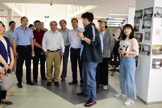 http://news.njnu.edu.cn/__local/D/7E/96/BA503132B39F55D72DD922B0D69_B5874E92_3C3EC.jpg